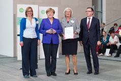 Bundeskanzlerin Angela Merkel, Schirmherrin von startsocial ehrt die LichtwarkSchule