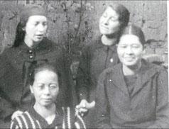 Sara Alvarado y sus primeras compañeras.