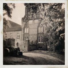 Alter Traktor. Hipstamatic-Aufnahme. Copyright 2019: Dr. Klaus Schörner