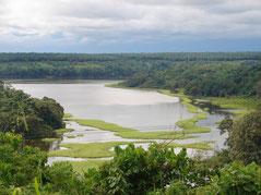 Le Lac Ossa dans l'arrondissement de Dizangué