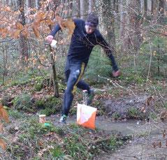 Der Sieger Gerson Schär (hier am Osterhasen-OL in Alterswilen) ist ja buchstäblich mit allen Wassern gewaschen...