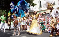 Brasilianische Tänzer. Karneval der Kulturen Berlin. Foto: Helga Karl