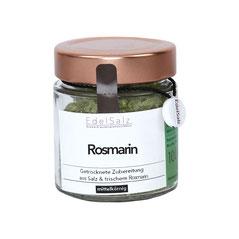 Glas mit Kupferdeckel gefüllt mit Kräutersalz Rosmarin