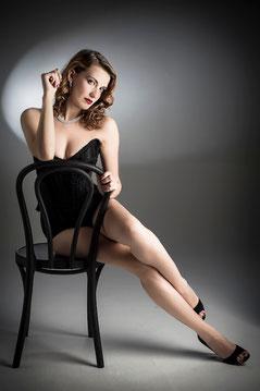 """""""Daniele Butera"""" www.danielebutera.com attrice actress burlesque performer DBPhotography 2012 Roma Nikon """"Giulia Di Quilio"""" """"Di Quilio"""" Woman Donna Colori Colours sedia seat legs gambe beauty bellezza"""
