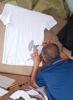 Entwurf, Kunst, Unikat, Südsee-Mode, fashion, Tatau, Maori-Tattoo, polynesisch, bio, fair, organic, handmade, besonders, individuell, Muster, Tribal, T-Shirt, Top, hand-bedruckt, Siebdruck, Koru, Tiki, Bedeutung, Freizeichnung, freihand, Köln, Tshirt