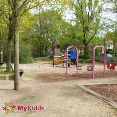 Kleinkinderbereich auf einem Spielplatz