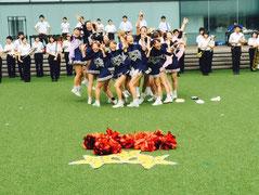 京都産業大学全学応援団チアリーダー部STARDUSTLEADERS演技写真