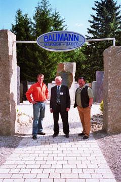 vlnr: Alfons Baumann Junior,   Alfons Baumann Senior (*1945-+2015) Reinhold Baumann (*1952- +2017)