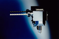 Angetriebenes Werkzeug, Radial Bohr- und Fräskopf  Radial Bohr- und Fräskopf, System Monoblock