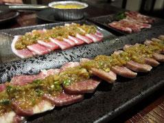 注文はいつものパターンで、ハラミに牛たん、カルビ、五花肉。