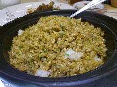 ボクの定番の「酱油炒饭」。いつも半分は「打包(ダーバオ=お持ち帰り)」して翌日食べま~す。
