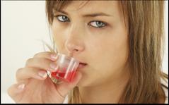 Wenn Sie wegen Brechreiz Ihre Zähne nicht richtig putzen können, verwenden Sie zusätzlich eine Mundspülung! (© alco81 - Fotolia.com)