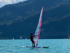 Surfboard und Anzug leihen im Wassersportzentrum Engel