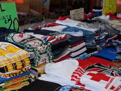 ハワイ オアフ島 アロハスタジアムスワップミート ハワイのお土産 Tシャツ屋さん