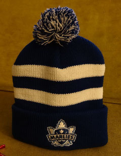 "Toque [""tuuuuk""] mit dem Logo des Hockey-Teams Toronto Marlies."