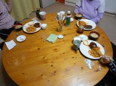 ある日の夕食の光景