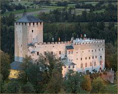 (c) Schloss Bruck