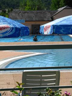 piscine près du gîte  du Clos de Servoline à St Cyprien Aveyron