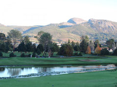 Bahn 21 mit dem Paarl Mountain - © Paarl Golf Club