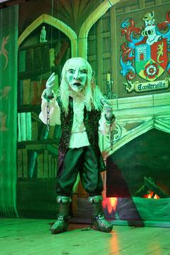 Marionettentheater Märchen an Fäden - Canterville - Sir Simon vor dem Kamin