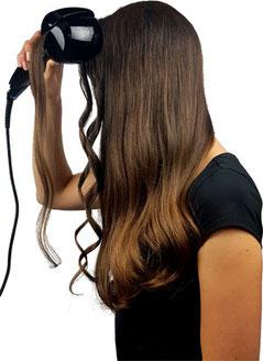 Frau sehr lange Haare, Grundig HS 5523 Warmluftbürste, eingedrehte Haare