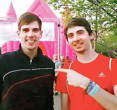 Zwei DJ-Kollegen unter sich: Mirko Lekat (rechts) trifft Ton Don auf einem Festival in Geeste.