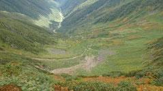 稜線から見る八の沢カール