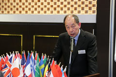 大会委員長 L.重綱 博美