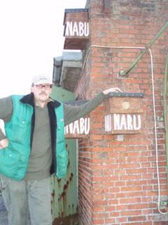 Anbringen von Nisthilfen für die Dohle - Vogel des Jahres 2012 am alten Klärwerk Kruck in Elmshorn - Okt. 2011