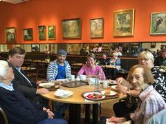 Im Café des MKG – Museum für Kunst und Gewerbe