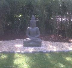 Buddha im Wu Wei Garten