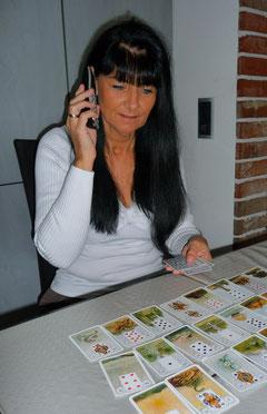 Spirituelle Kartenlegerin & Wahrsagerin *Elina....