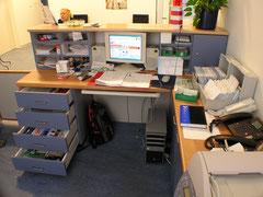 Maßgefertigter Schreibtisch