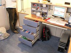 Maßgefertigter Schreibtisch mit Empfangstheke