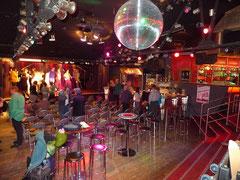 Ankunft im Club Moments (Bremen)
