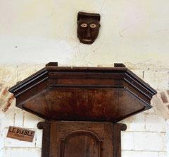 Le haut de la chaire de la chapelle Saint-Mard