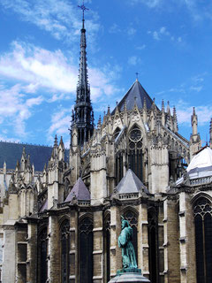 Pierre l'Ermite-chevet de la Cathédrale