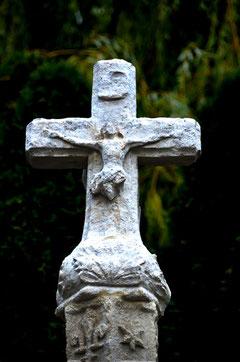 le recto du croisillon: un christ mutilé