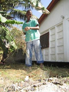 Francis bei der Arbeit im neuen Garten