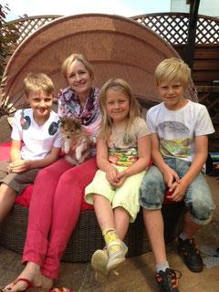 Vicky mit ihrer neuen Familie