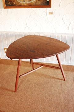 トライアングルテーブル 木のテーブル