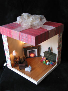 http://dollhousesbyliz.com/