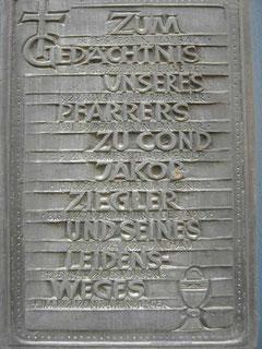 Pastor-Ziegler-Gedenktafel am Alten Kirchturm (Carl-Fritz Nikolay, 1984, s. RZ v. 11.05.1984)