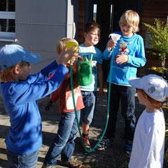 Experimente mit Wasserdruck