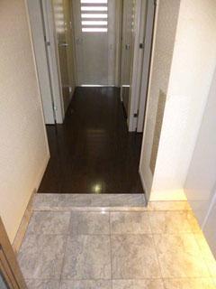 玄関から廊下リフォーム前