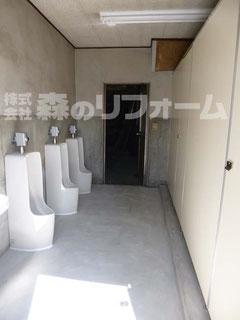 松戸市 トイレリフォーム 工場内トイレのリフォーム トイレブースを新規作成