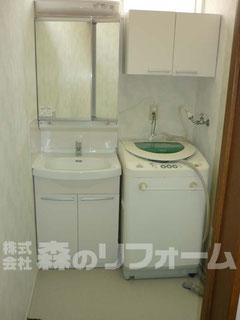 柏市 水まわり洗面所リフォーム後 洗濯機上部に収納を取付