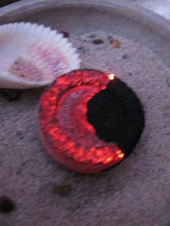 Räucherwerk und Heilkräuter, die Du ans Feuer übergeben kannst...