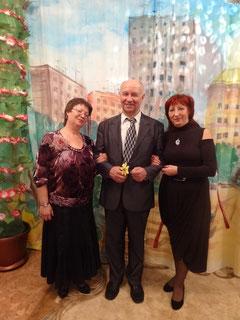 Золотой сертификат и кубок вручил Президент добровольной сертификации Н.П.Железнов