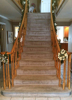 scarlett o'hara staircase before refinish